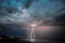 Beach lightning by dimondimages