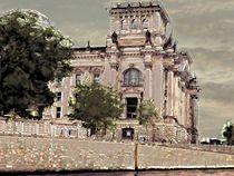 Berliner Reichstag  by Heidrun Carola Herrmann