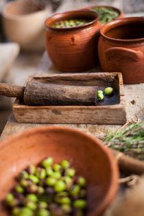 Oliven nach der Ernte by Giuliano Kullik