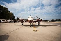 Flugzeug auf dem Flugfeld by Giuliano Kullik