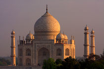Taj Mahal Sunset by Aidan Moran