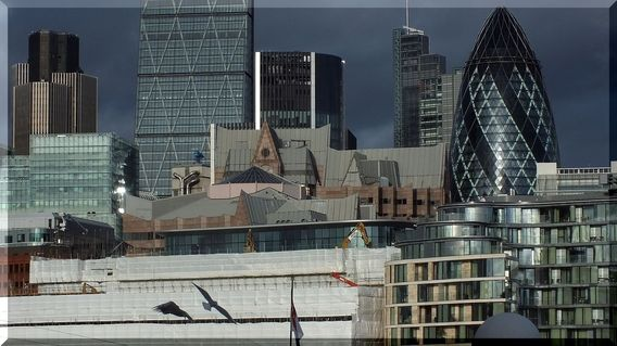 London-details-skyline-caro-van-ruit