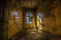 The yellow room von Nathan Wright