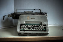 Hospital typewriter  von Nathan Wright