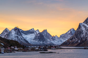 Reine-sunrise-by-nick-wrobel-downloaded-from-500px-jpg