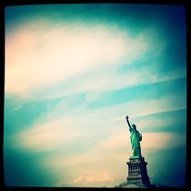 Lonely Miss Liberty von Isabella Morrien