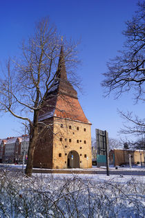 Rostocker Steintor im Winter von Sabine Radtke
