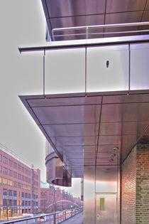 Die Tür zur Hafencity by Marc Heiligenstein