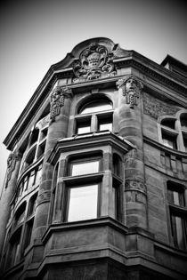 Town House black and white von leddermann