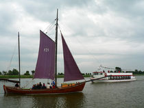 Zeesenboot und Dampfer von Sabine Radtke
