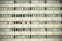 apartments block in Berlin  von lsdpix