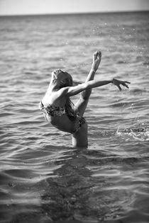 vgl-moves-85 by Viktoria Greta Lengyel