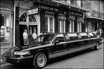 Stretch Limo at Court of the Two Sisters von Michael Whitaker