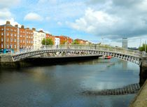 Ha'penny Bridge by gscheffbuch