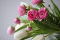 Frühlingsstrauss in rose und weiß von Elvira Dauwitz