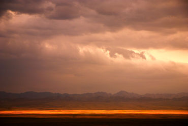 Gobi-1-colorful-country-3
