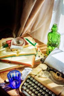 Amber-bottles-writer-still-life-192-creativejuicestexturefinal11