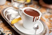 hot milk chocolate and ginger cookie von Arletta Cwalina