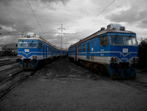 Old blue trains  von Vojin Todorovic
