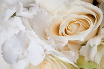 Wedding white flowers bouquet von Arletta Cwalina