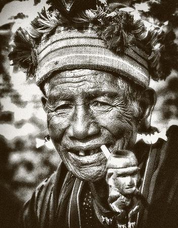 Ifugao-old-smoker2