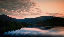 Sunset lake scene von a-costa