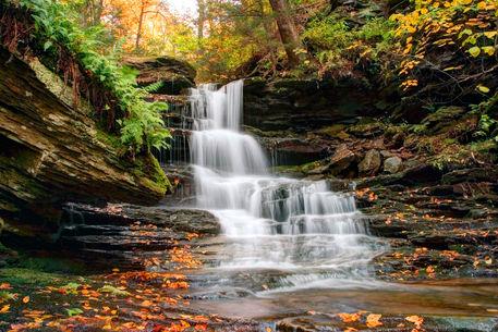 Autumn-below-the-hidden-waterfall-crw-3850c
