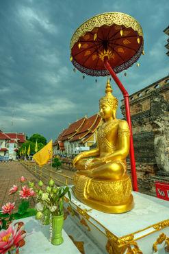 Sheltered-buddha