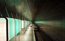 u-bahn station by fotolos