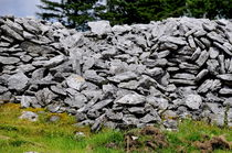 Ancient Stone Walls von Dave  Byrne