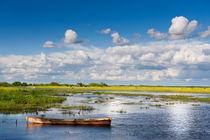 wooden boat in Biebrza wetland von Arletta Cwalina