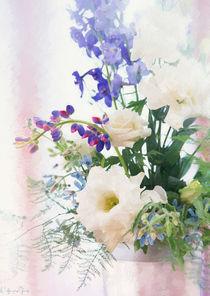 Blumenarrangement by Wolfgang Pfensig