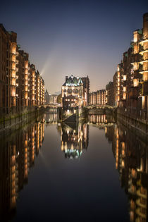 speicherstadt@night IV von Manfred Hartmann