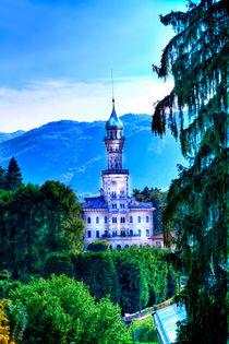 Kirche auf der Insel am Lago d `Oro in Italien, Europa,  by Gina Koch