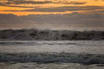 Clouds Mimicking Waves von Sharon Foelz