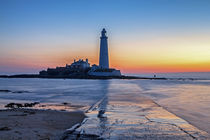 St Mary's Lighthouse by David Pringle