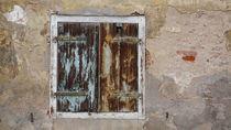 Der Fensterladen... by Thomas Haas