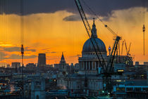 Sunset over St Paul's Cathedral with cranes von Graham Prentice