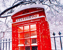 London Red Telephone Booth  von lanjee chee