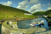 Boscastle Harbour  by Rob Hawkins