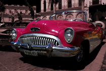 Roter Buick / Red Buick by Zookie Miller