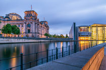 Reichstag an der Spree I von elbvue von elbvue