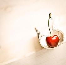 fresh cherry von Stephanie  Langowski