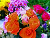 Blumenstrauß  mit orangen Rosen von Eva Dust