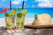 Cocktail am Strand - Cocktail on the beach 1 von Thomas Klee