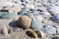 Steine im Flussbett by Andre Hauschild