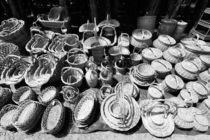 Wicker baskets for sale von Gaspar Avila