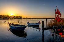 Letzte Sonnenstrahlen über dem Nothafen Darßer Ort von Thomas Ulbricht