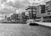 Hamburg Hafen-City by Rolf Hackemann