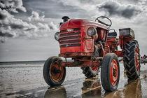 Red tractor von Alessandro De Pol